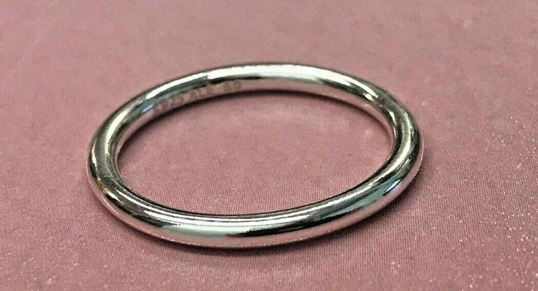 Size 6 Sterling Silver Chunky Textured Flat Bottom Ring With Carved Leather Insert