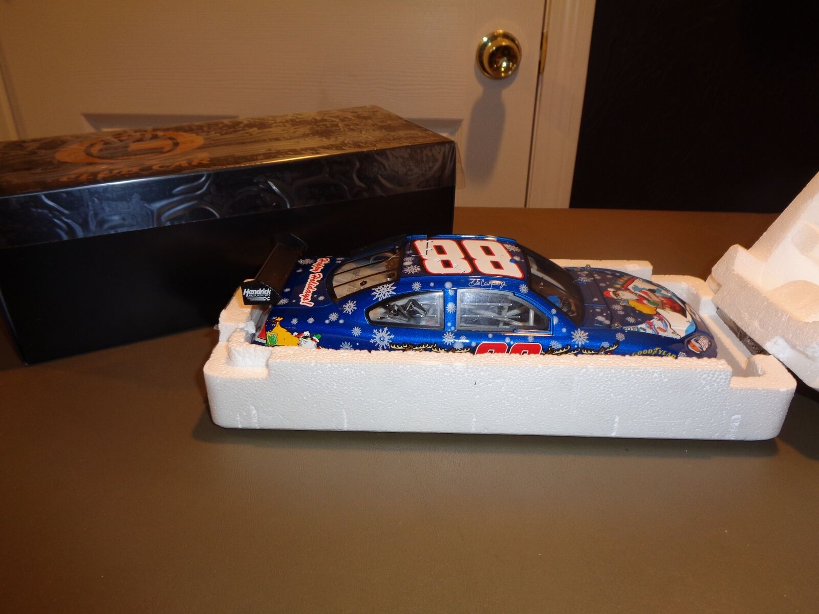 Dale Earnhardt Jr.  88 Sam Bass Holiday Collection RCCA Club Car 1 24  Die Cast