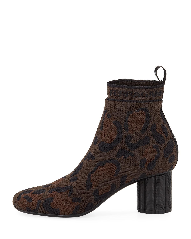 Salvatore Ferragamo Leopard Printed Stretch-Knit Stretch-Knit Stretch-Knit Ankle Booties Size 40.5 3cdb34