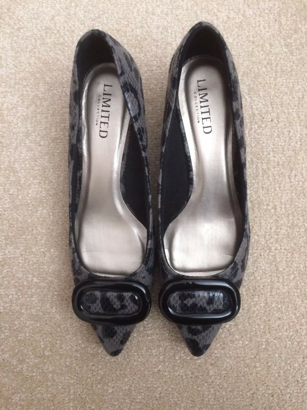 Limited Collection Grey Black Leopard Print shoes Size 5.5