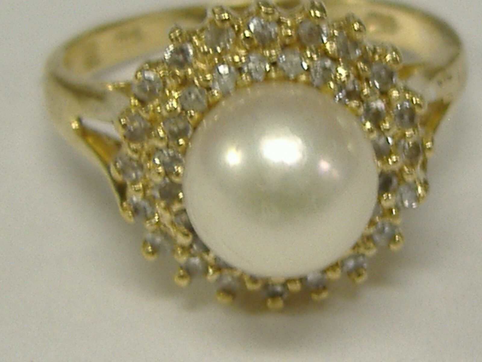 VINTAGE 14 K gold NATURAL 7 MMPEARL & NATURAL DIAMONDS 0.20CT TW RING SIZE 5.75