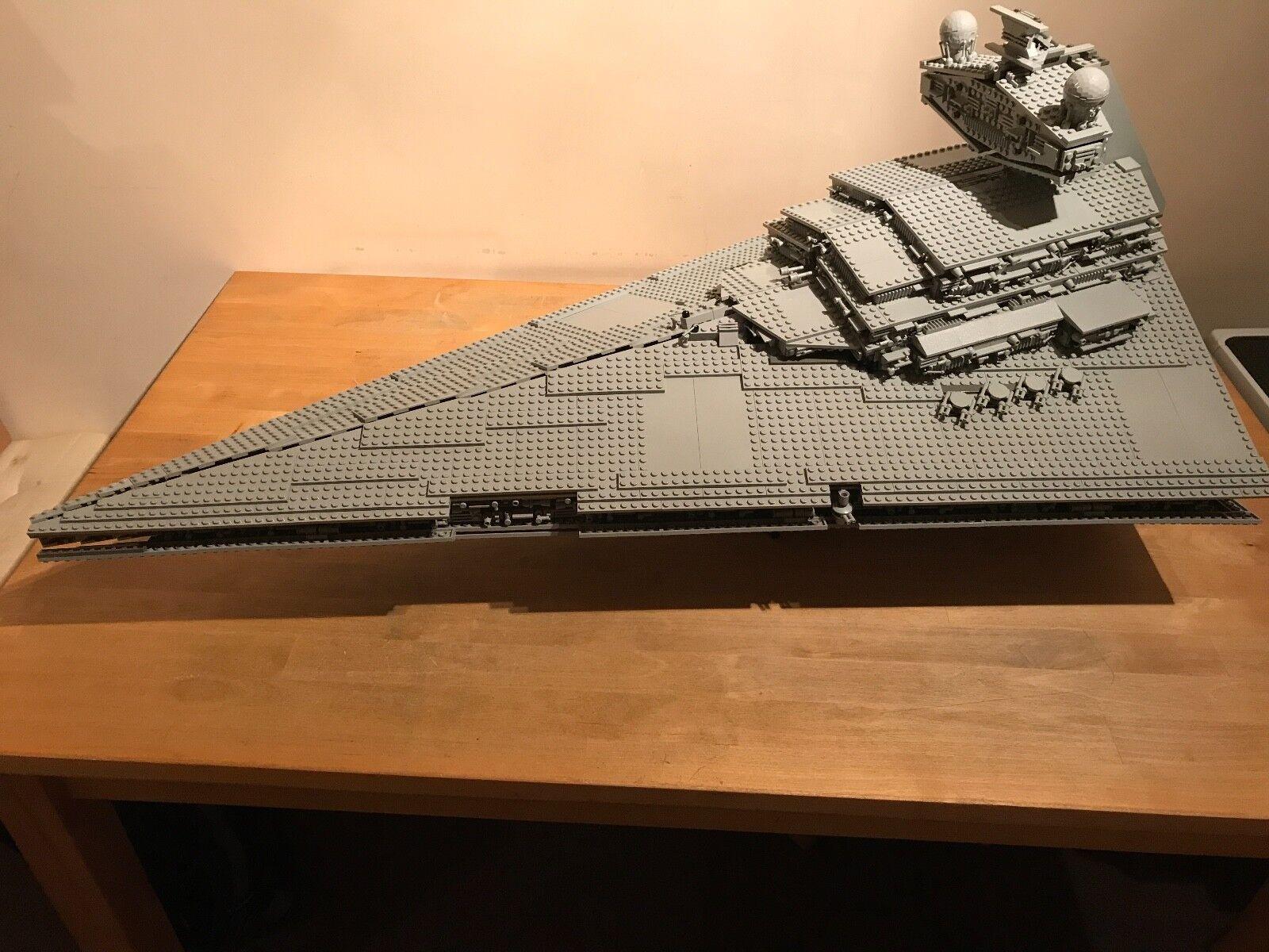 Lego Star Wars 10030-UCS Star Destroyer (boxed)