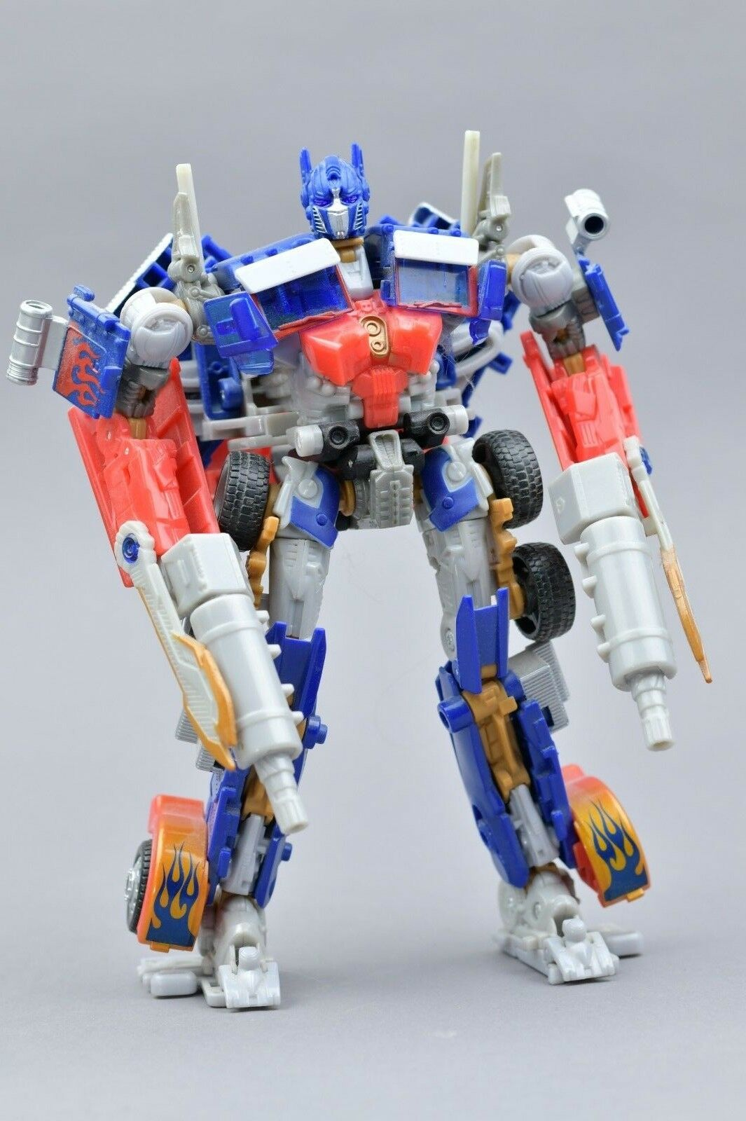 Transformers hunt for the Decepticons Optimus Prime Complete Voyager HFTD