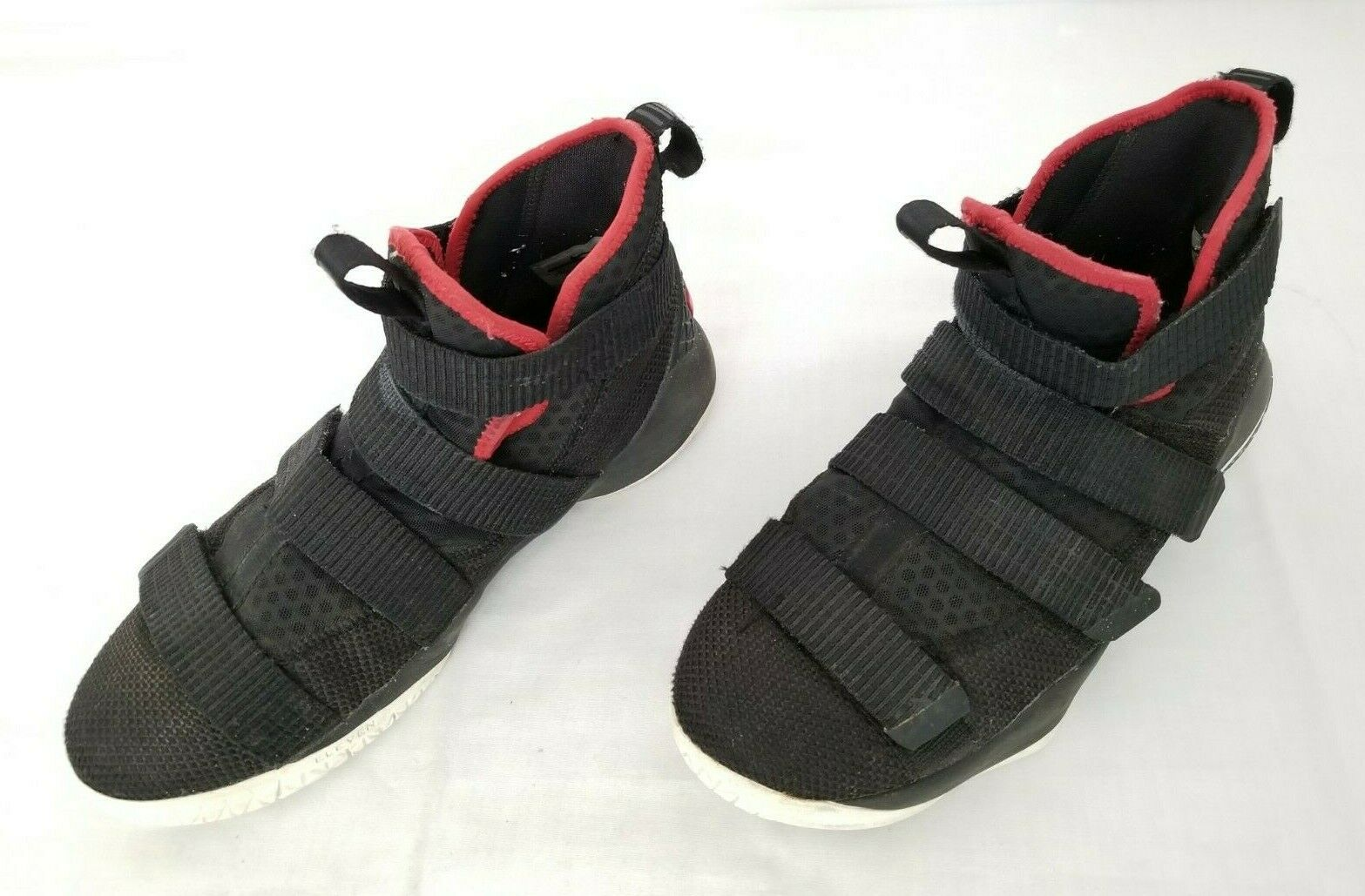 Youth Sz 6Y Black Red Nike Lebron