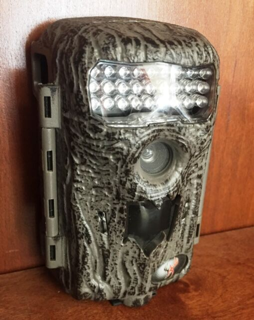 2386 Used Wildgame Innovations Illusion 10 Game Trail Camera 10 MP i10i20