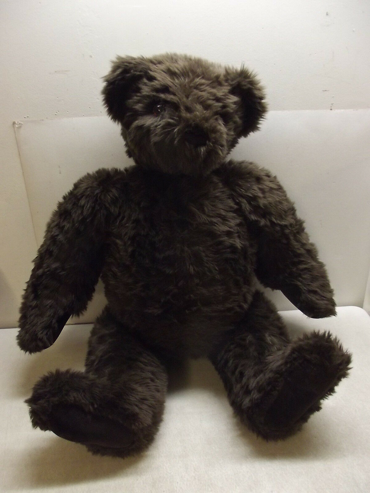SUPER LARGE 32   VERMONT JOINTED TEDDY BEAR