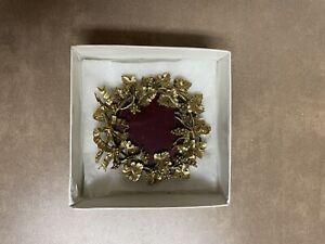 VINTAGE - The Metropolitan Museum of Art New York Picture Frame Floral Design