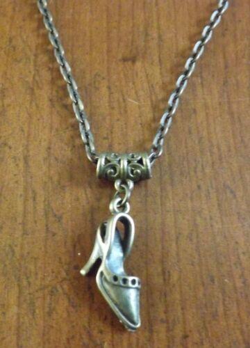 collier chaine bronze 52 cm avec pendentif chaussure à talon 20x21 mm