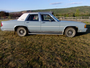 1988 Ford Crown Victoria LX