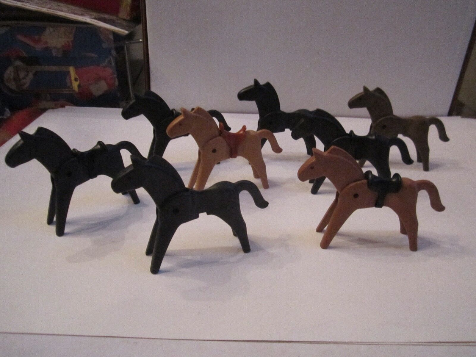 8  1974 GEOBRA HORSES - VINTAGE AND COLLECTIBLE - TUB BN-18