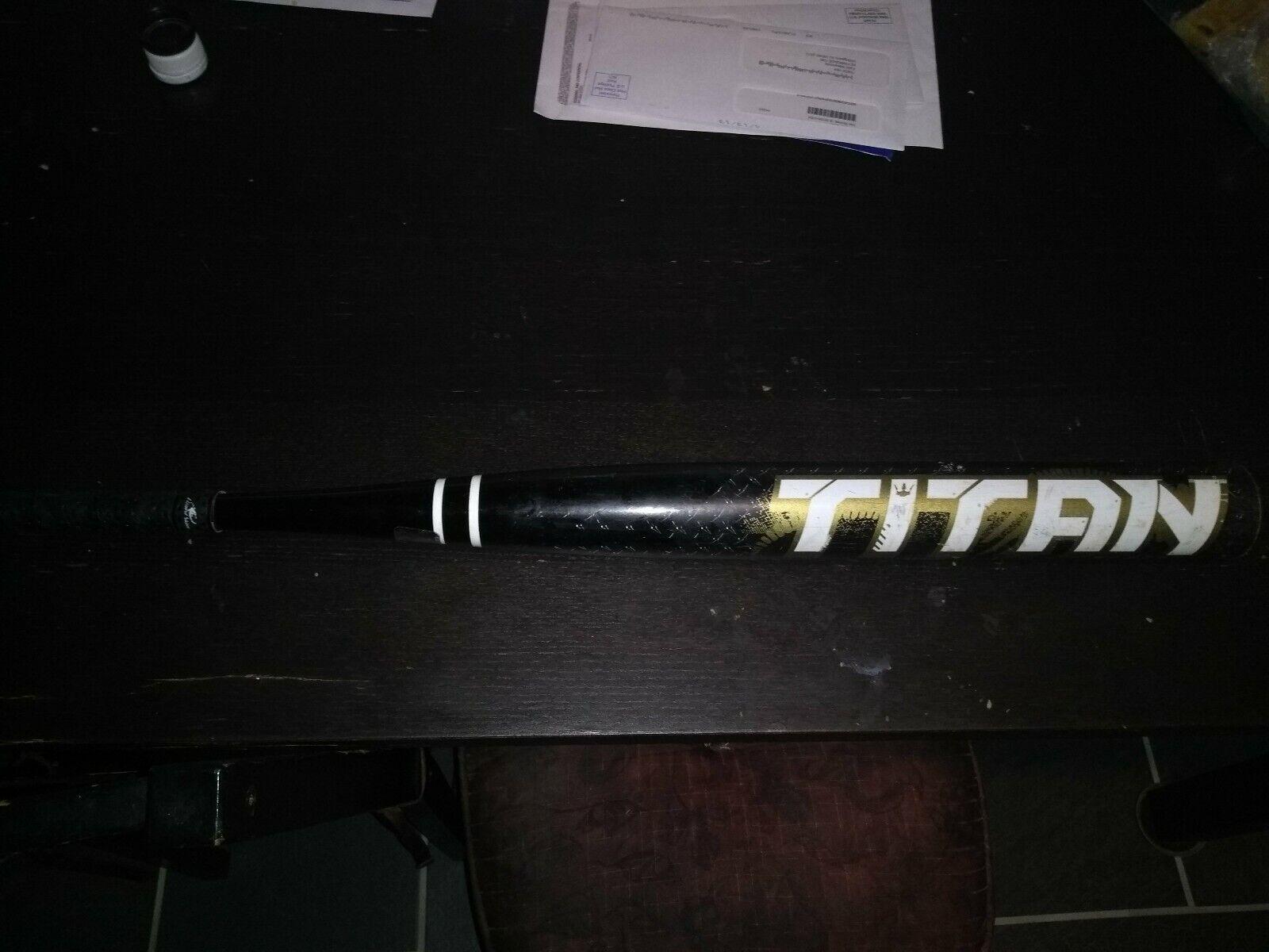 Softbol bate Worth Titan Raro 26oz