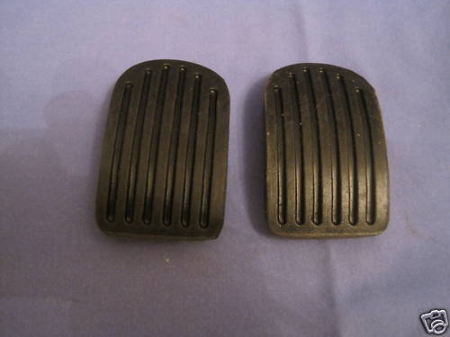 MG MGB ROADSTER//GT PAIR BRAKE AND CLUTCH PEDAL RUBBERS ***MGC  ebs8