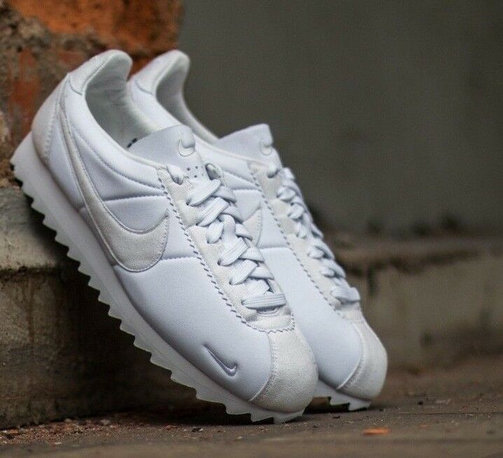 Nike Classic Cortez Shark Low SP Big Tooth shoes size 10.5  140 810135-110