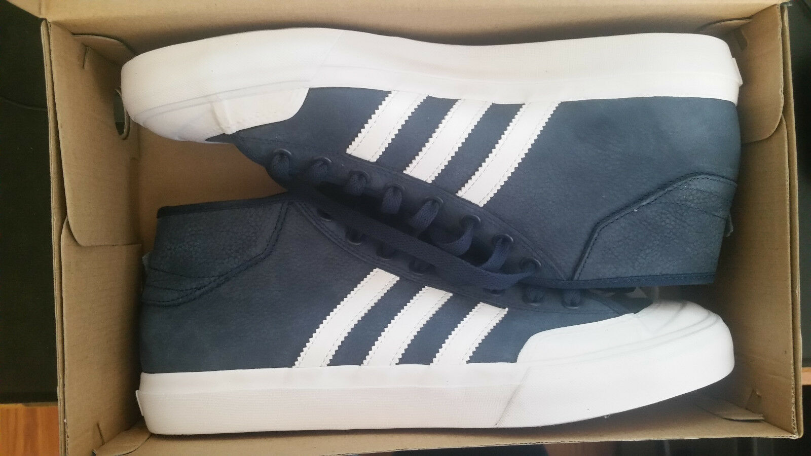 2c442677f042 Adidas Men s Matchcourt Mid Fashion Sneaker MEN SHOES NAVY WHITE BY3203  SIZE 10
