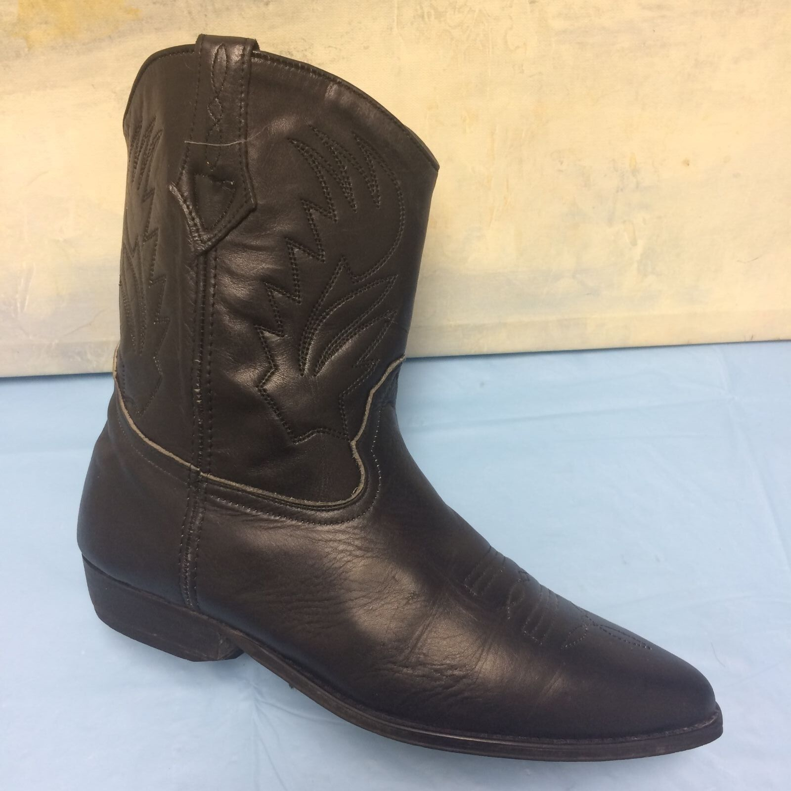 Victoria Spenser Black Leather Heel short Boots Size 8 M