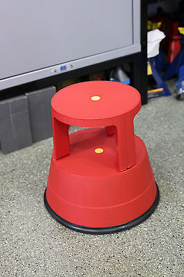 Stable Stool The Sturdy Plastic Step Stool With Locking