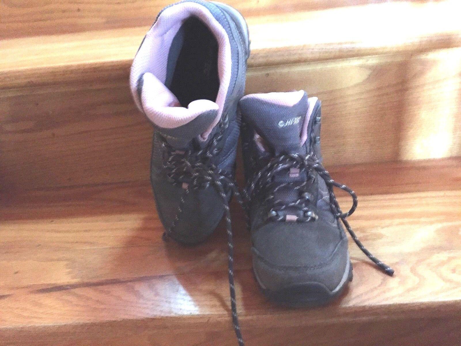 Hi Tec  Oregon11  Hiking Camping Or Casual Sneaker Boots   8  70  in stock