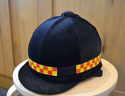 Nuovo * Giallo & Rosso Controllo Hi Viz Riflettente Fluorescente Equitazione Casco Cappello Band- Disabilità Strutturali