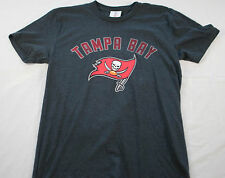 men's Team Apperal  Tampa Bay Buccaneers short sleeve shirt size small gray