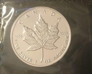 RCM Sealed 2001 1 oz Silver Bullion Silver Canadian Maple Leaf
