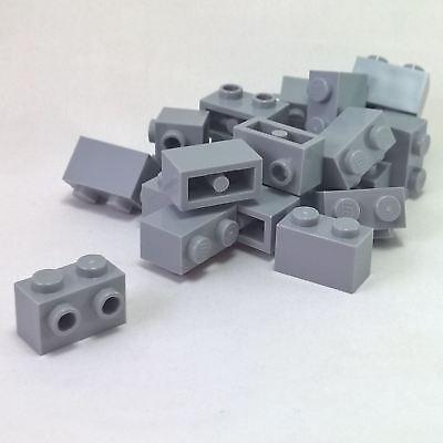 20 NEW LEGO Brick 2 x 2 Light Bluish Gray