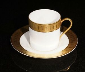 Stunning-Rosenthal-Selb-Plossberg-Gold-Encrusted-Aida-Demitasse-And-Saucer