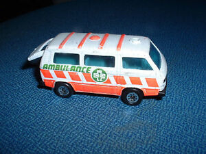 Models-Ambulanza-Ambulance-Matchbox-Volkswagen-Transporter