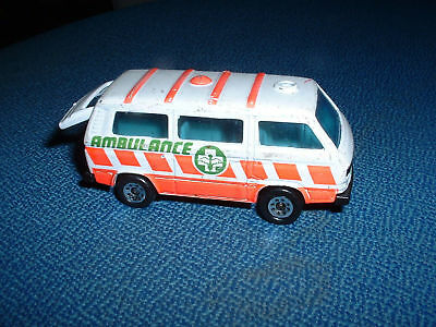 Rigoroso Models \ Ambulanza \ Ambulance \ Matchbox - Volkswagen - Transporter Lucentezza Luminosa