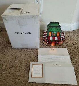 Franklin Mint Coca Cola Stained Glass VICTORIAN HOTEL HOUSE w/ light MINT in Box