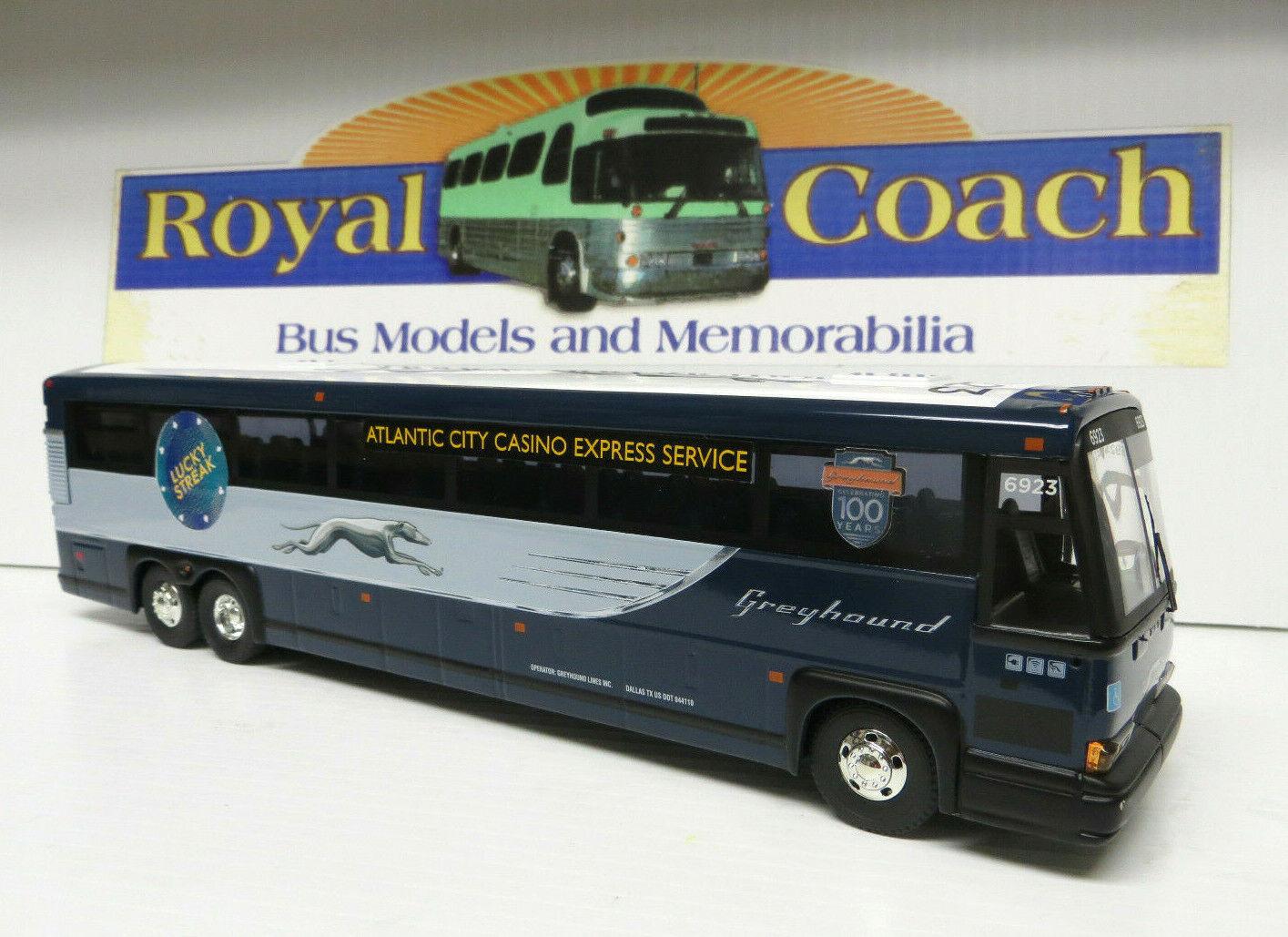 Corgi  53412 grauhound Neoclassic 11  Diecast MCI DL3 Bus w Lucky Streak &100 Yr