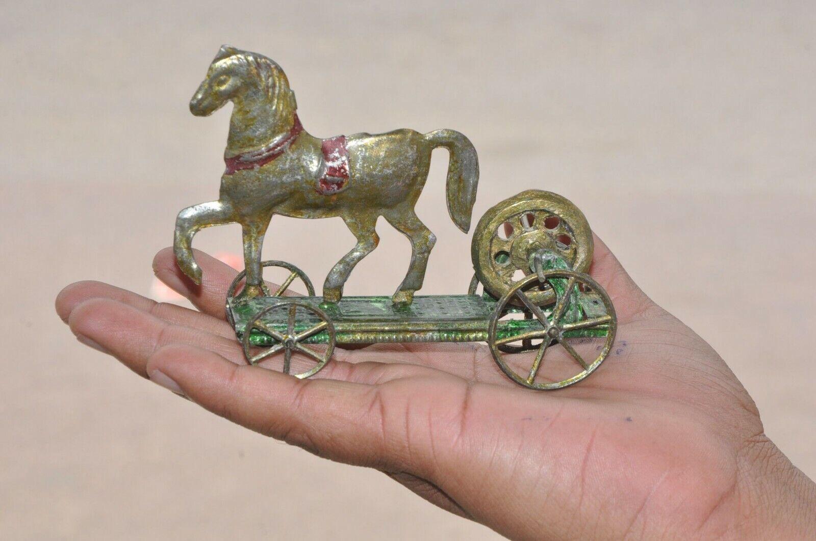 Rara Vintage Francés A.H caballo en plataforma Penny Volante de Juguete de estaño