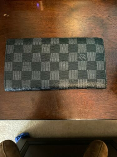 Luis Vuitton Brazza Wallet