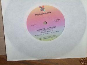 MICKEY-GILLEY-ROOM-FULL-OF-ROSES-RARE-7-034-45-VINYL-RECORD