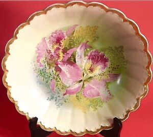 """VINTAGE BOWL HAND PAINTED 10 3/4"""" FLUTED LILY PATTERN THICK GOLD BORDER CABINET"""