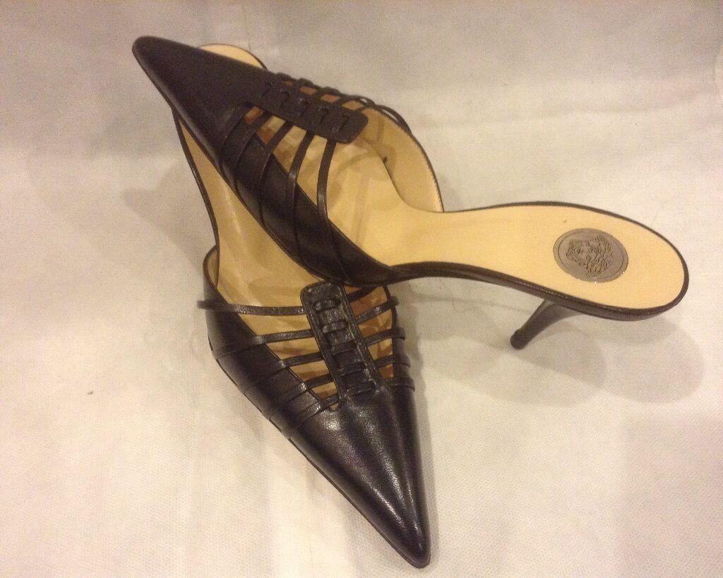 migliore marca  650 650 650 Versace nero leather scarpe, Dimensione 39-9  nuova esclusiva di fascia alta