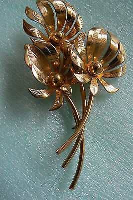 Vintage Gold Tone Metal Three Flowers Pin Brooch Free Shipping Big Clearance Sale Pins & Brooches