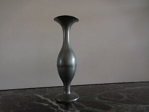 vase-soliflore-etain-Pewter-Zinn-Tin-Petro-Delfil-design-XXe-made-in-France