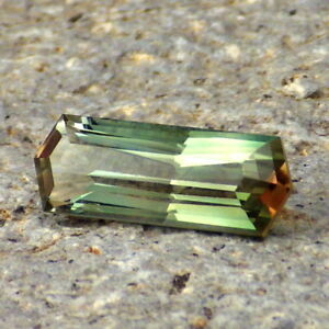 GREEN-ORANGE-PINK-DICHROIC-OREGON-SUNSTONE-3-36Ct-CLARITY-SI1-VERY-RARE-COLORS