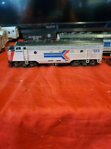 HO-Amtrak-FP-7-diesel-loco-by-Atlas-11-pcs