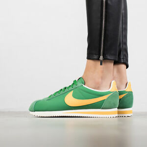separation shoes 7ec67 643fc Image is loading Nike-Womens-Classic-Cortez-Nylon-sz-8-Green-