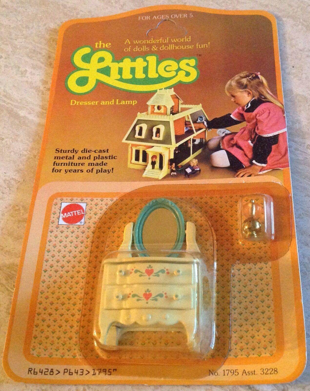 Vintage 1980 Littles by Mattel Dollhouse Furniture Furniture Furniture Die Cast Dresser Lamp NOS 025da5