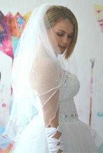 Schleier-Brautschleier-3-Lagen-mit-Kamm-Perlen-3-lagig-Hochzeit-Braut-NEU