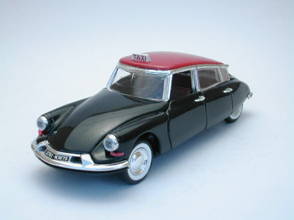 Citroen DS 19 Taxi Paris 1963 1 43 Model RIO4159 RIO