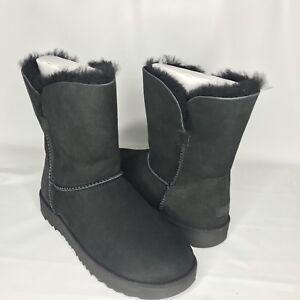 fa1567b6e01 Details about UGG Classic Cuff Short Black Sheepskin Boots Size US 6.5  Womens NEW