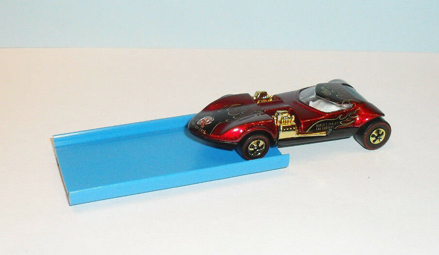 HOT HOT HOT WHEELS - TWIN MILL TOY FAIR 1998 WITH DISPLAY CASE a70b74