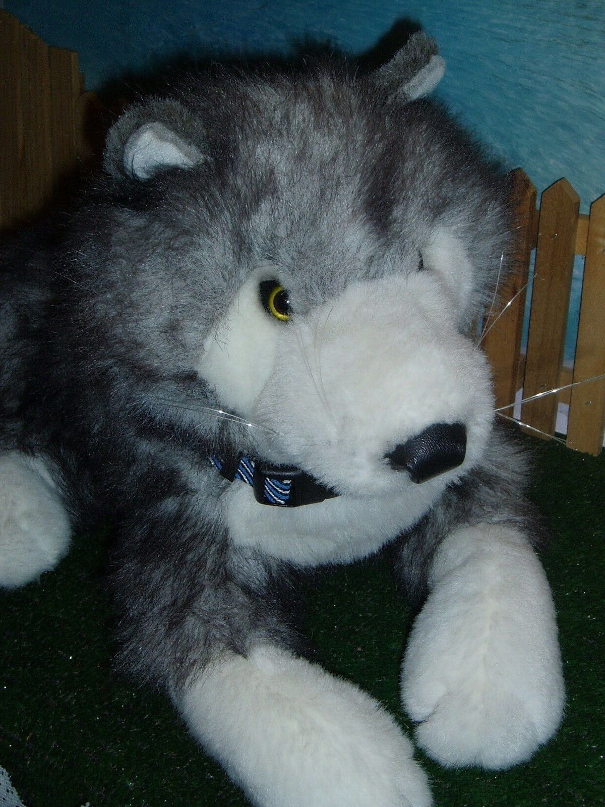 FOLKMANIS WOLF FULL-BODY PUPPET (17 )