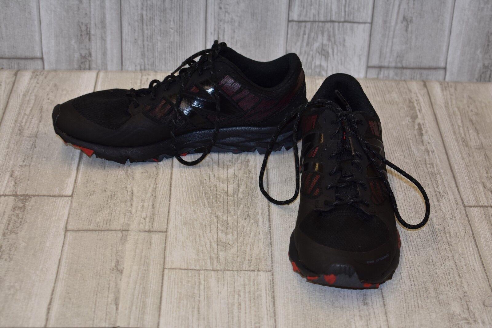 New Balance 690v2 Sneakers - Men's Size 9.5(4E) Black Red