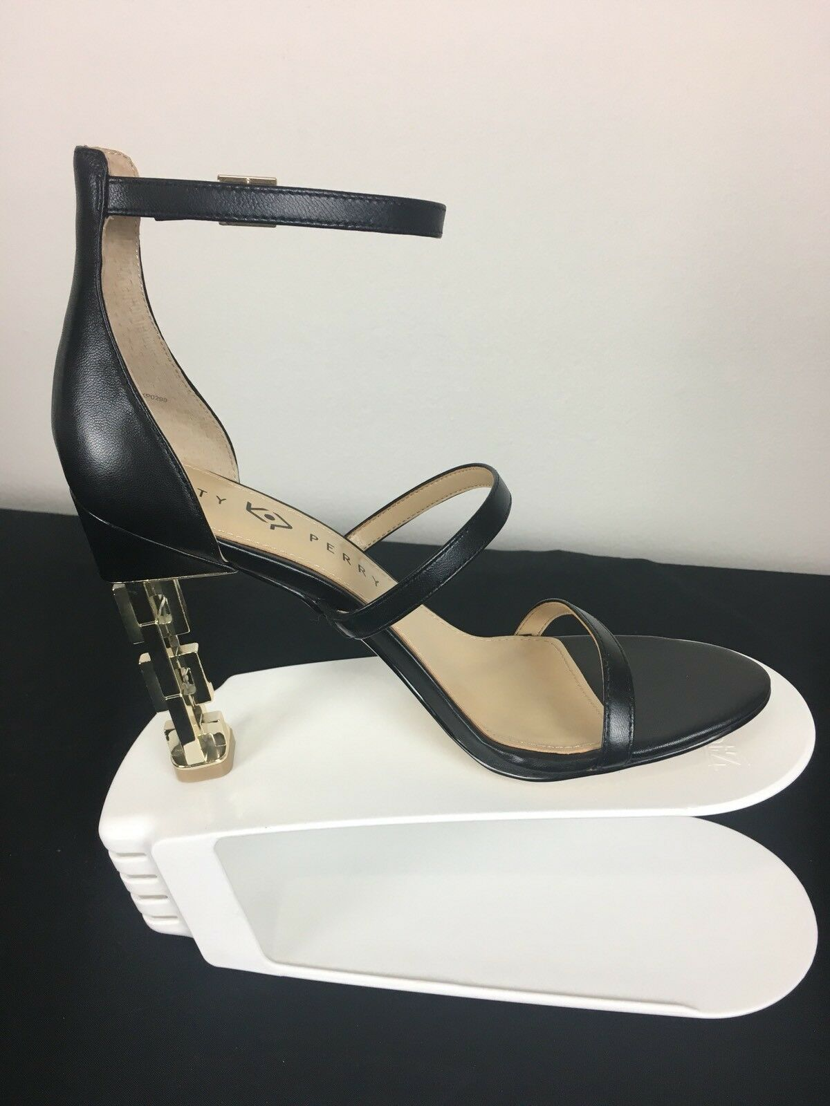 vendita scontata online di factory outlet NIB Katy Perry donna's Dimensione 8.5 Blk Blk Blk The Vilan-Nappa High Heel 34KP0290 MSRP  120  vendita scontata