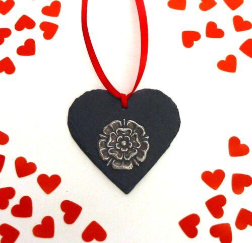 Tudor Rose naturel ardoise Coeur Ornement Suspendu Valentine Cadeau De Noël