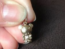 9 ct yellow gold Teddy Bear With Bow Charm/pendant, 0.5G , not scrap, G Con